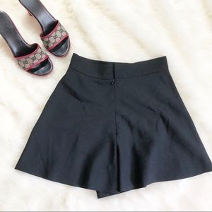 •Gianni Versace Wool Mix Flowy Shorts•